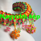 Egyedi ékszer színes műanyag gyöngyökből