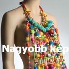 Top szerű nyaklánc hatalmas műanyag gyöngyökből