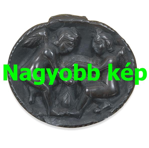 Fekete borostyán (gagát) medál